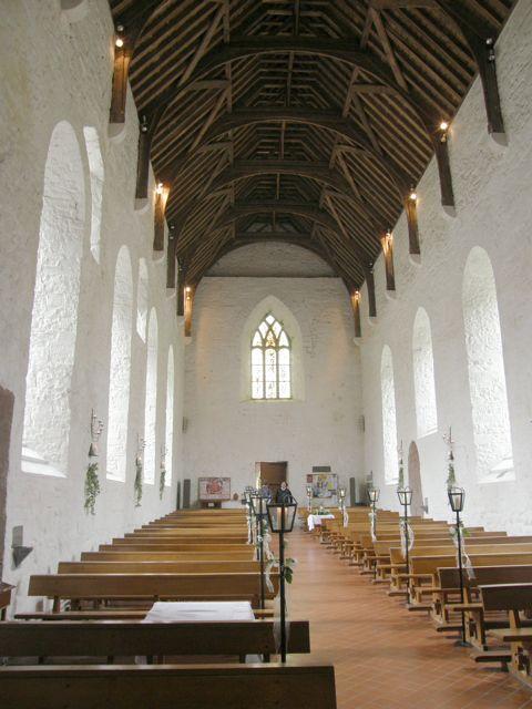 Ballintubber Abbey Church, Co Mayo, Éire, Interior, Decorated for a Wedding