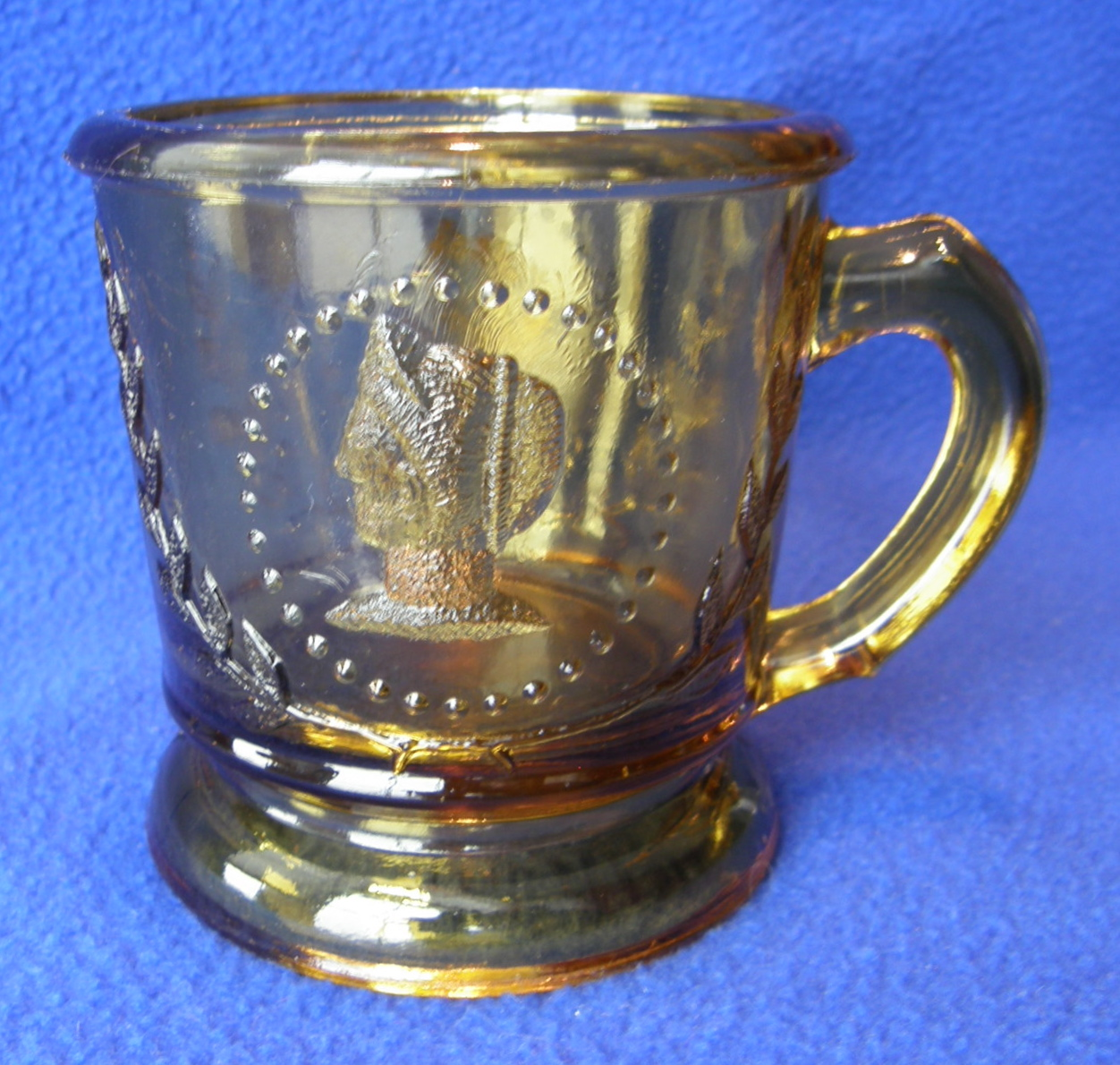 "Amber Medallion mug (3-1/8"" x 3-1/4""); Ceres variant"