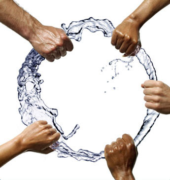 5 Hands Wrabbing Water Ring